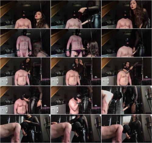Goddess Gynarchy - Slave Strap-On Sucking [HD 720P]