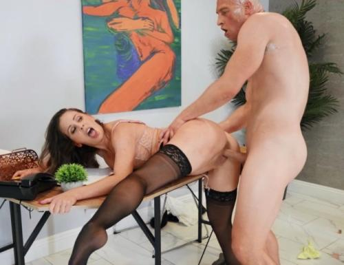 Cherie Deville - Working For A Milf
