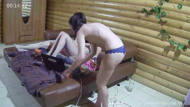 Voyeur-house.tv- Naked partying june 17