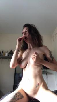 SHOWING OFF MY PRETTY FEET - Stickam Videos