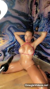 Horny exhibitionist italian slut - Patreon Porn