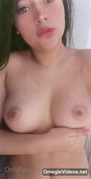 Jamaican Cums while using her Vibrator - Omegle Videos
