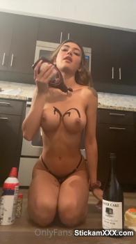 Natural tits Snapchat girl fingering herself to orgasm