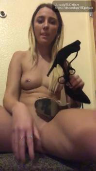 Vibing and teasing clit in ripped fishnets - Omegle Videos