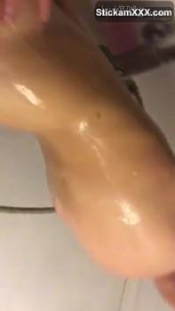 Girl wants her Ass Ate in the Shower - Stickam Videos