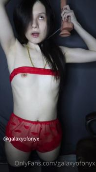 Evening gymnastics for pussy - Periscope Girls