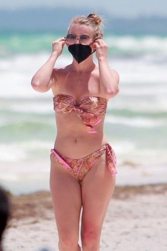 julianne-hough-in-a-patterned-bikini-tulum-04-28-2021-2.jpg